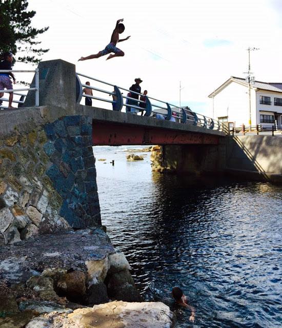boy-jump